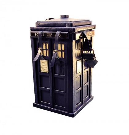 TARDIS-purse-1.jpg