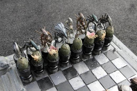 avp_chess_set_by_joker_laugh-d4e75vt.jpg