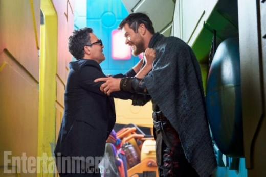thor-ragnarok-mark-ruffalo-chris-hemsworth-image-600x400.jpg