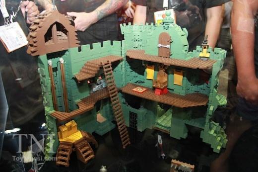 MegaConstrux-Castle-Grayskull-05__scaled_600.jpg