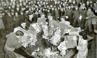 1949_comics_burning.jpg