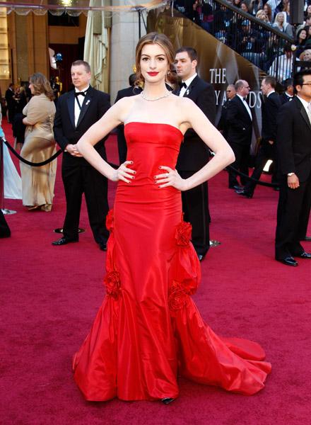 Oscar 2011 Dres... Anne Hathaway Oscar Incident