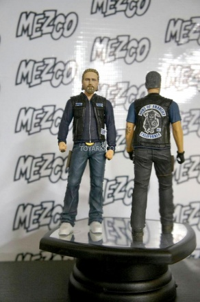 Mezco-TF-Preview-Sons-of-Anarchy-004.jpg