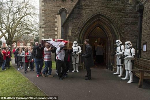 star wars funeral_4.jpg