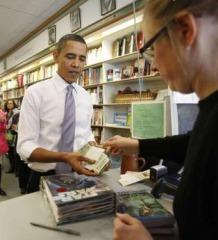 obama-buy-star-wars-book.jpg