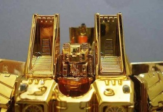 Gold-Starscream.jpg