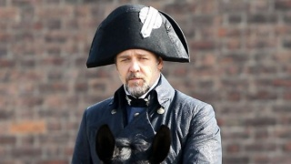 les-miserables-russell-crowe-movie-image-set-photo.jpg