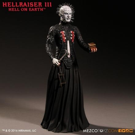 Mezco-Hellraisr-3-Pinhead-014.jpg