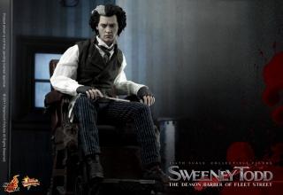 Hot Toys_Sweeney Todd_3.jpg
