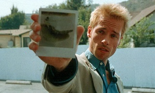 guy-pearce-memento-feat.jpg