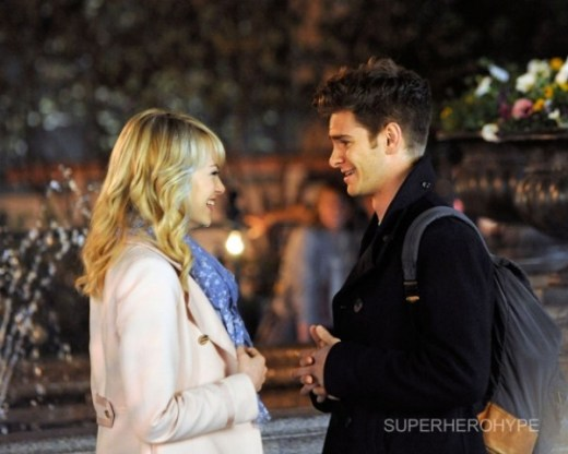 amazing-spider-man-2-emma-stone-andrew-garfield-set-photo-1-600x480.jpg