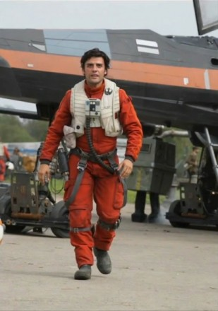 star-wars-7-force-awakens-oscar-isaac-1-422x600.jpeg