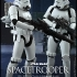 Hot Toys - Star Wars Episode IV - A New Hope - Spacetrooper Collectible Figure Star Wars Celebration Exclusive_3.jpg