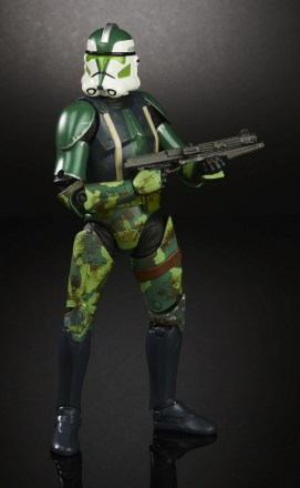 STAR-WARS-THE-BLACK-SERIES-CLONE-COMMANDER-GREE-Toys-R-Us-Exclusive-2.jpg