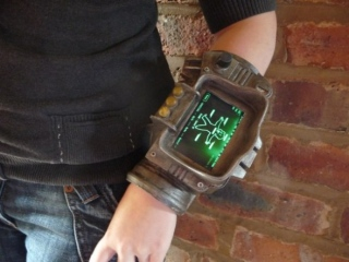 fallout-3-pip-boy-ipod-dock-2.jpg