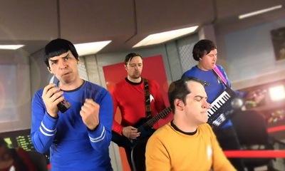 Star Trek Slow Jam - Key Of Awesome_feat.jpg