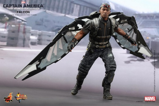 Hot Toys - Captain America - The Winter Soldier - Falcon Collectible Figure_PR1.jpg