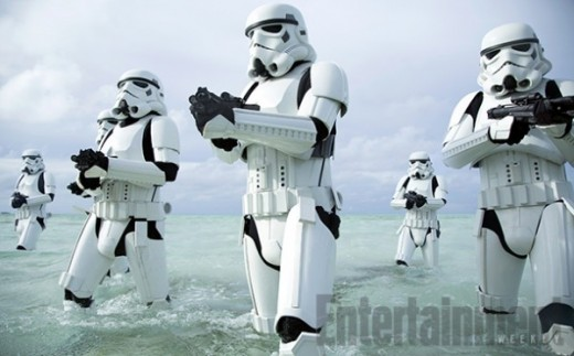 rogue-one-a-star-wars-story-stormtroopers-beach-1-600x373.jpg
