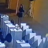 Selfie Taker Does $200,000 In Damage To Museum Sculptures