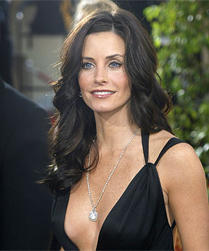 courteney cox doesn t see friends reuion ever happening