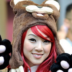 Linda Le Gets Up Close And Personal With Pedobear!