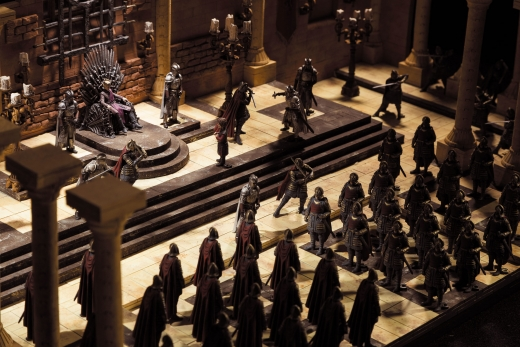 McFarlane-Game-of-Thrones-Iron-Throne-Room-Set-003.jpg
