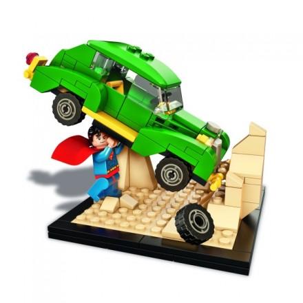 lego-superman-comic-con-exclusive-600x600.jpg