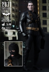 Hot Toys_Batman Begins - Batman Bruce Wayne Collectible Figure (2011 Toy Fairs Exclusive)_PR9.jpg