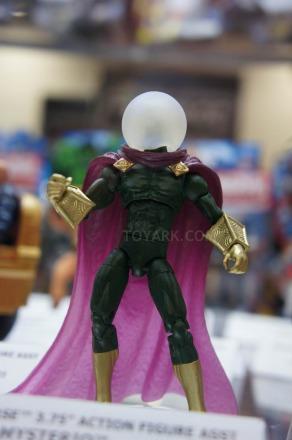 Mattel-DC-2012-2013-marvel-universe-mysterio.jpg