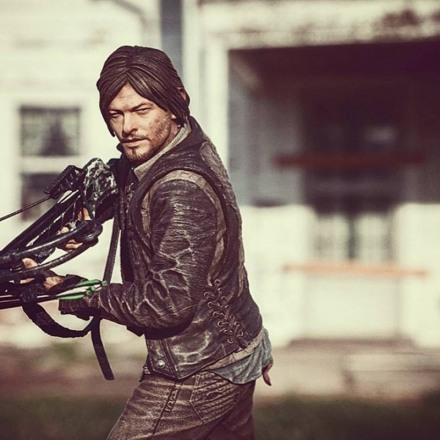 mcfarlane_the_walking_dead_daryl_2.jpg