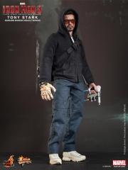 Hot Toys - Iron Man 3 - Tony Stark (Mandarin Mansion Assault Version) Collectible Figurine_PR1.jpg