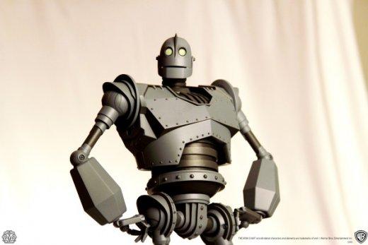 mondo-toys-iron-giant-2-600x400.jpg