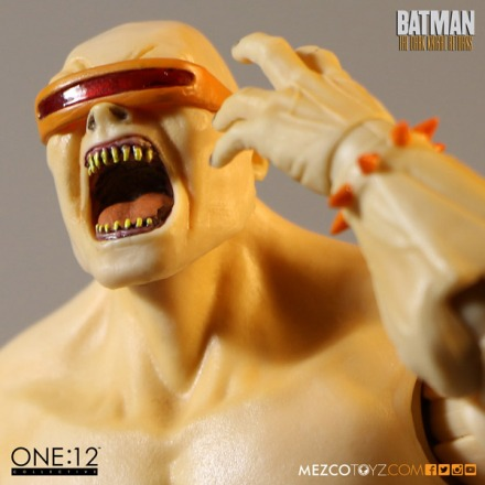 mezco_one_12_collective_mutant_leader_2.jpg