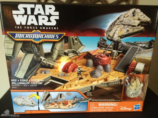 star-wars-the-force-awakens-millennium-falcon-micromachines-playset-080615-001.jpg