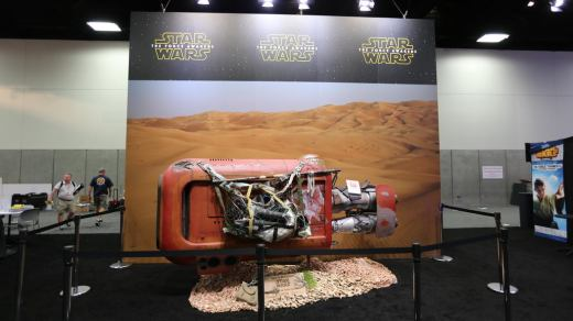 comic-con-2015-convention-floor-picture-image-101.jpg