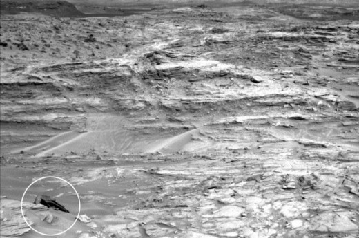 Object-spotted-by-Mars-Curiosity-Rover-probe.jpg