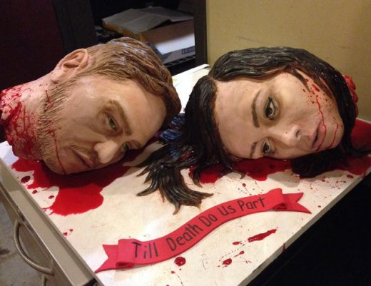 severed-heads-wedding-cake.jpg