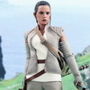 Hot Toys – Star Wars: The Force Awakens 1/6th scale Rey (Resistance Outfit) Collectible Figure