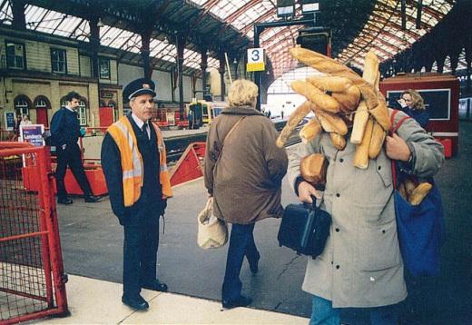 Tatsumi-Orimoto-Breadman-at-the-Brussels-Train-Station-1996.jpg