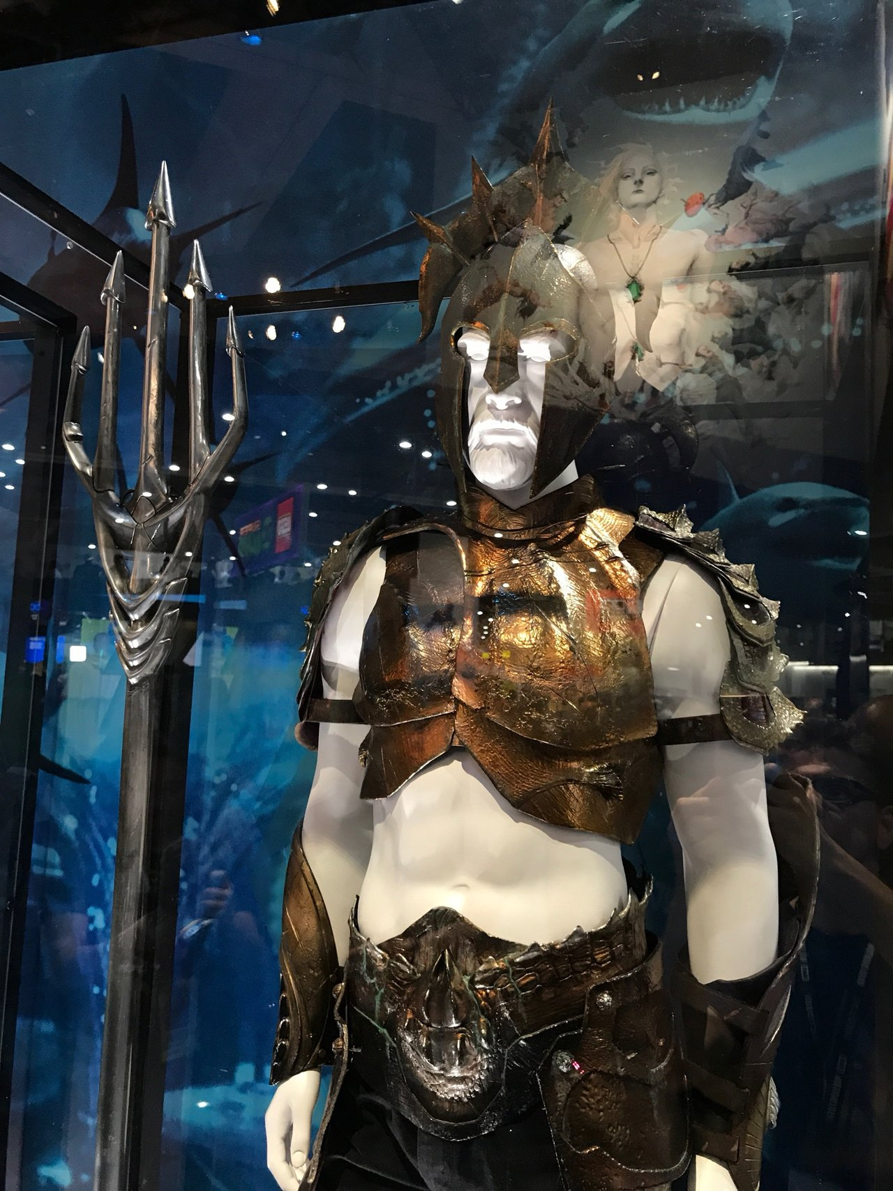 Shazam Aquaman Get New Magazine Covers: WB Displays Shazam, Aquaman, Titans Costumes