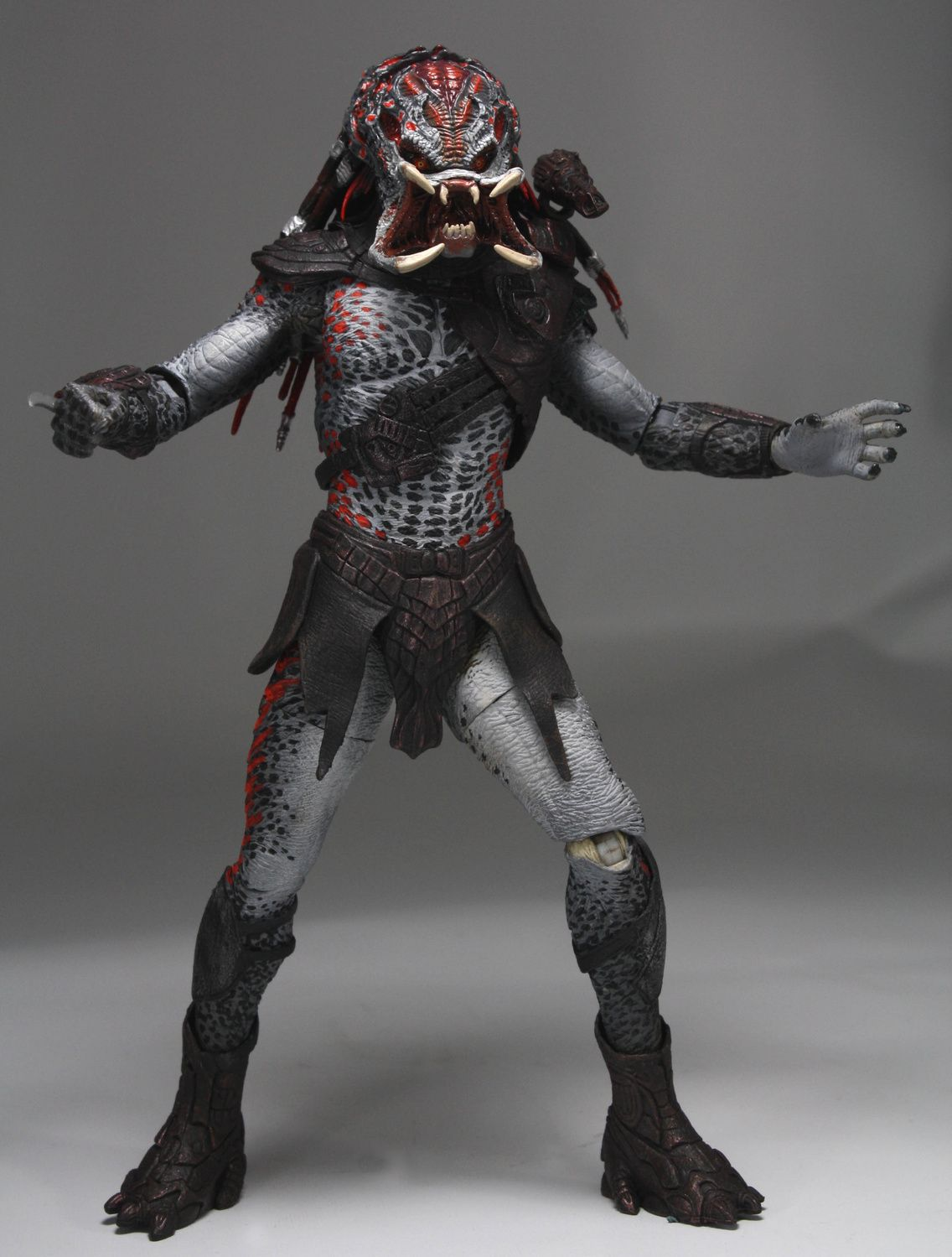 NECA Unveils Series 2 Berserker Predator Collectible Figures