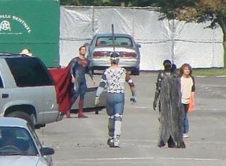 superman-man-of-steel-henry-cavill-set-photo-01.jpg