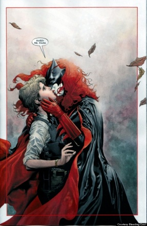 Batwoman-Gay-Marriage-Proposal.jpg