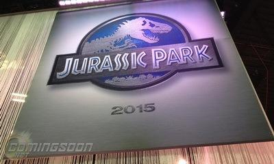 jurassicpark4_2015_feat.jpg