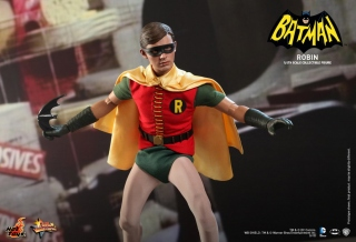 Hot Toys - Batman 1966 - Batman Collectible Figure_20.jpg