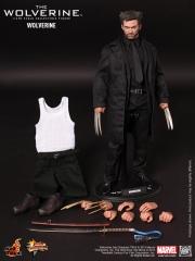The Wolverine -  Wolverine Collectible Figure_PR16.jpg
