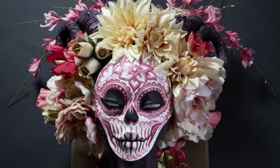 What's Hot: The Eerily Exquisite Muertitas of Krisztianna