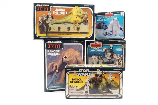 11-Patrol-Dewback-Tauntaun-Hoth-Wampa-Jabba-the-Hutt-Action-Playset-and-Rancor-Monster-Figure-from-Kenner-1979-1983-Toys-R-Us-Force-Friday-Item.jpg