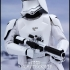 Hot_Toys-Star-Wars-The-Force-Awakens-First-Order-snowtrooper-Collectible-Figure_8.jpg