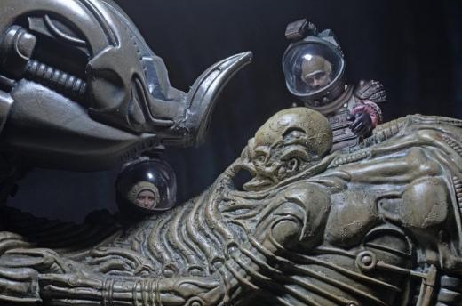 NECA-Alien-Foam-Space-Jockey-007.jpg